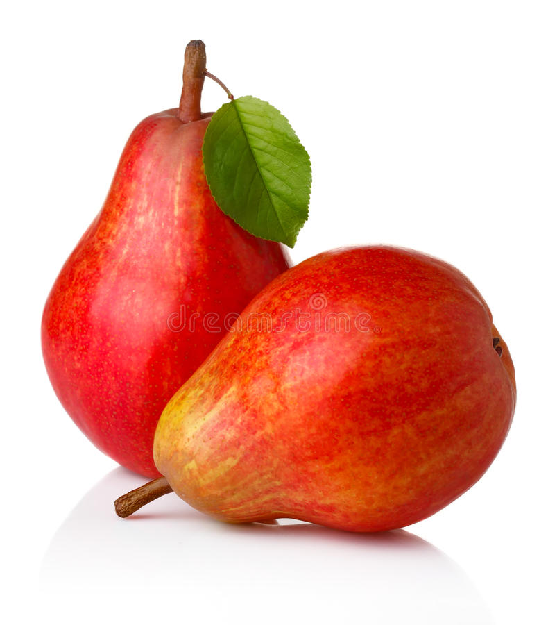 Fruits rouges mûrs de poire avec les feuilles vertes  photo stock