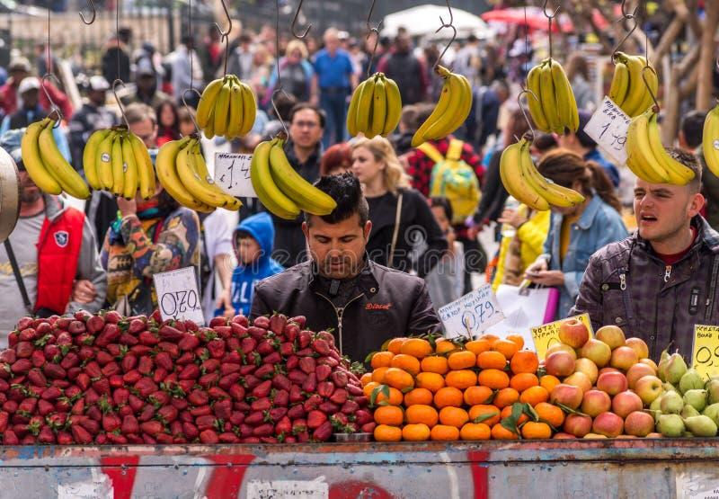 Fruitverkoper royalty-vrije stock fotografie