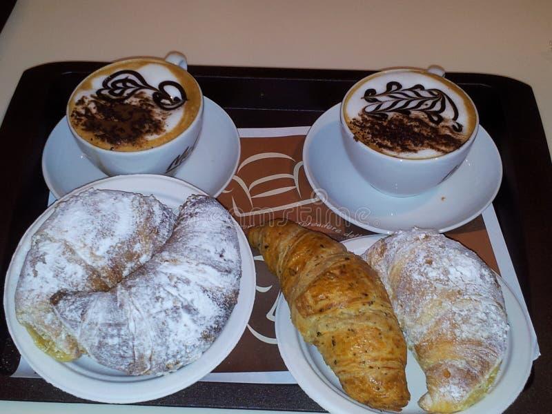 Frukost i Milano Italien arkivbild