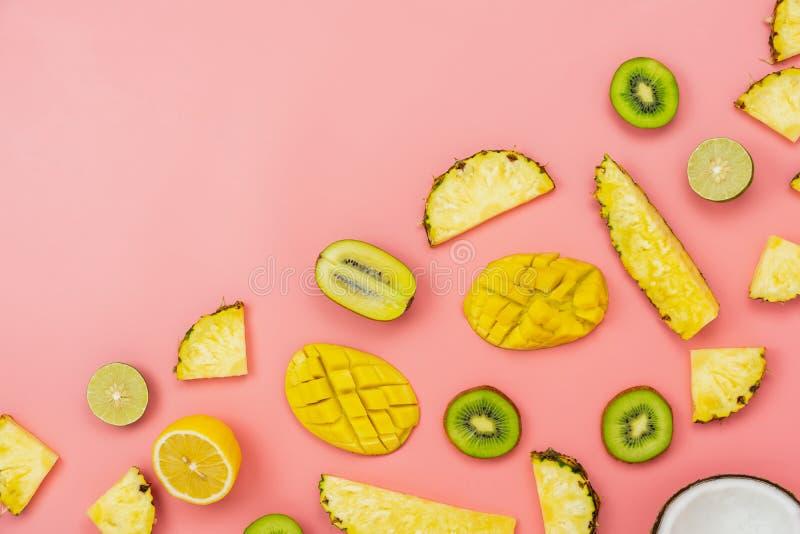 Frukt för bästa sikt för tabell som är tropisk med begrepp för bakgrund för för vårsommarferie & semester fotografering för bildbyråer