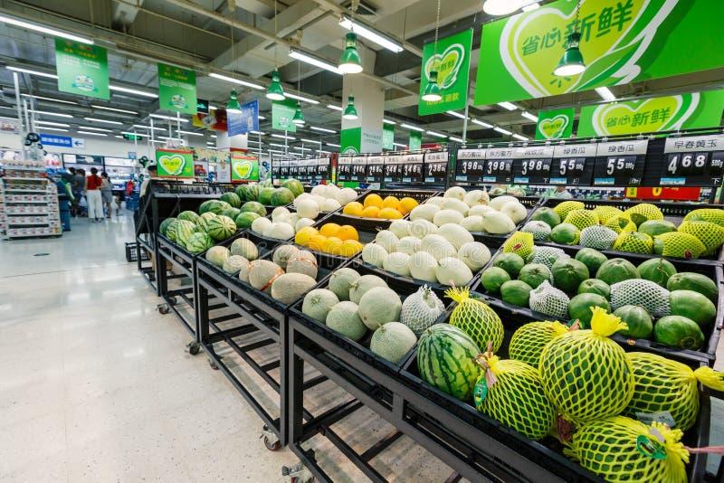 Frukt för objekt för detaljhandel för Kina hangzhou wal-marknad supermarket fotografering för bildbyråer