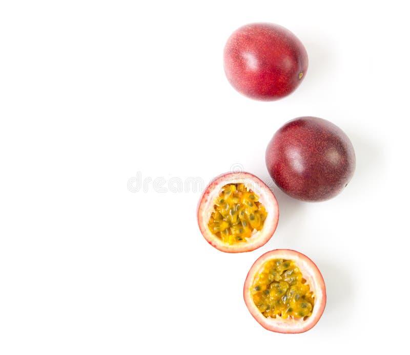 Frukt för passion för bästa sikt för Closeup på vit bakgrund, frukt för honom royaltyfri fotografi