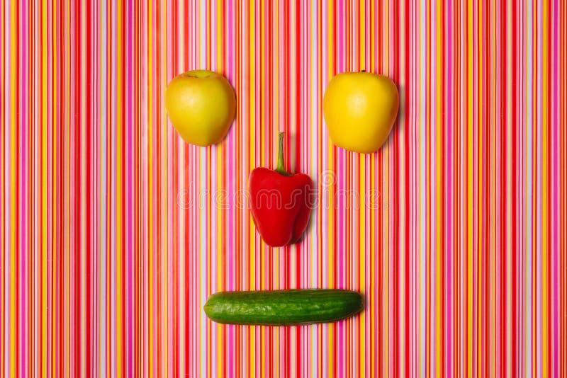 Frukt-grönsak framsida Top beskådar blidka royaltyfria foton