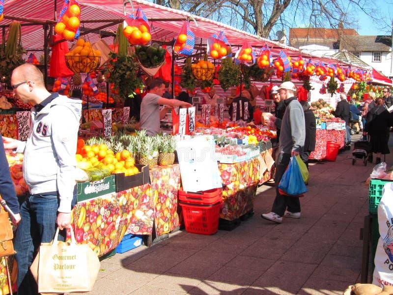 Frukt- och grönsakmarknad. royaltyfria foton