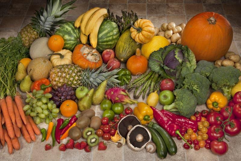 Frukt- och grönsakskärm royaltyfri fotografi