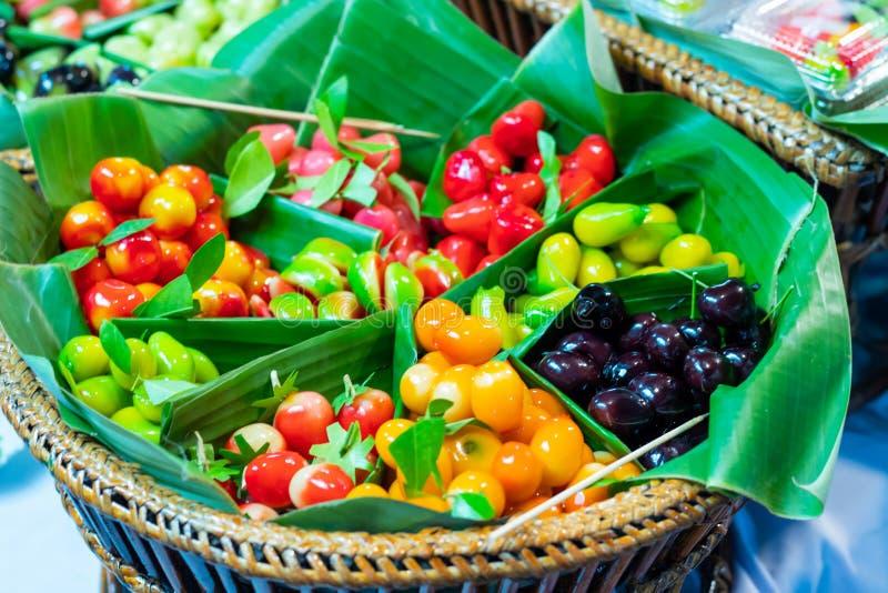 Fruktefterrätter Thailand som göras av sojabönor då täckt gelé arkivfoton