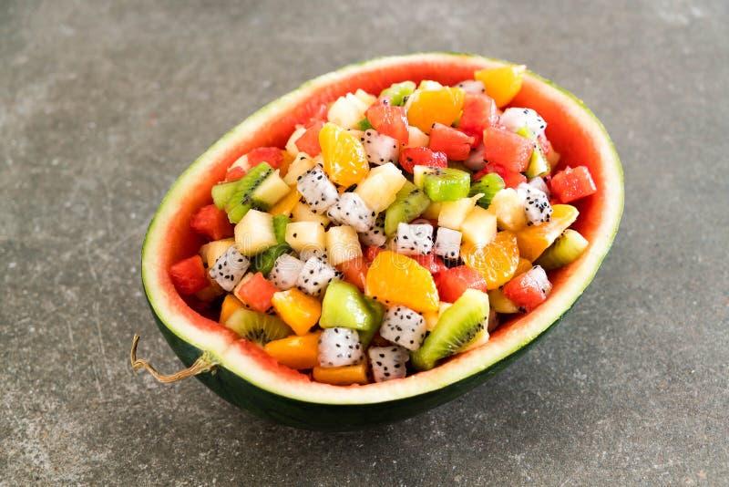 Download Frukter blandar skivat arkivfoto. Bild av näring, saftigt - 106833346