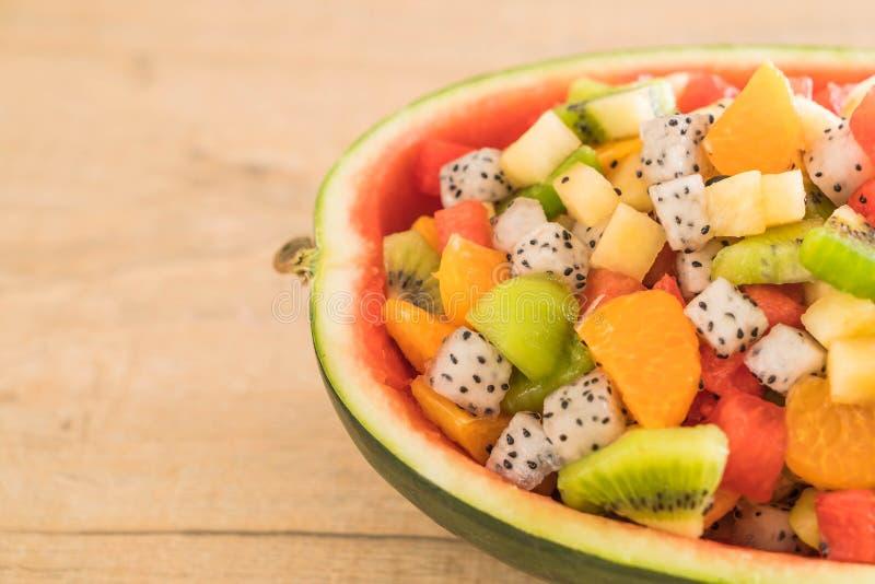 frukter blandar skivat royaltyfri foto