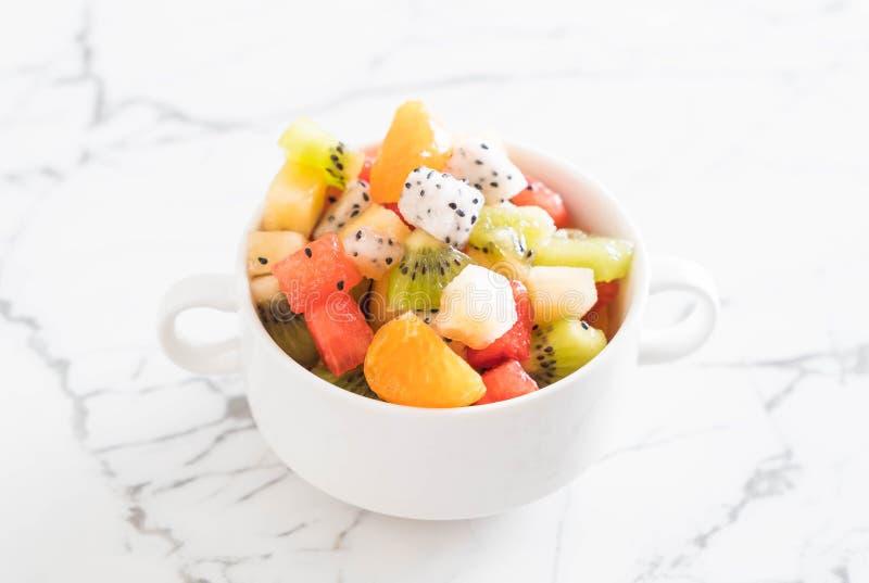 frukter blandar skivat royaltyfria foton