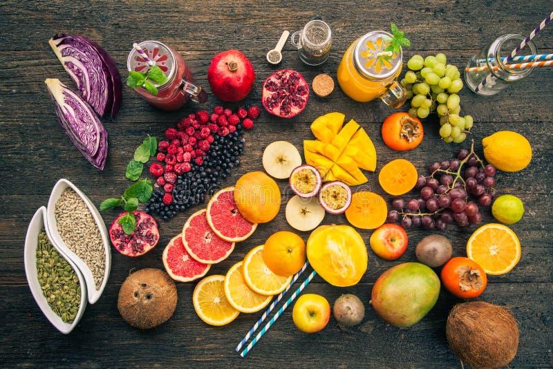 Frukter och djupfrysta bär royaltyfri foto