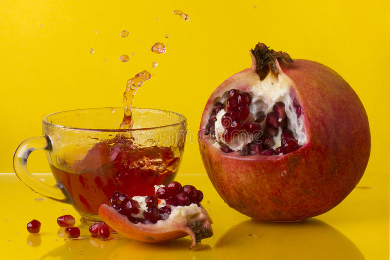 Fruktsaft från hjärtan arkivbilder
