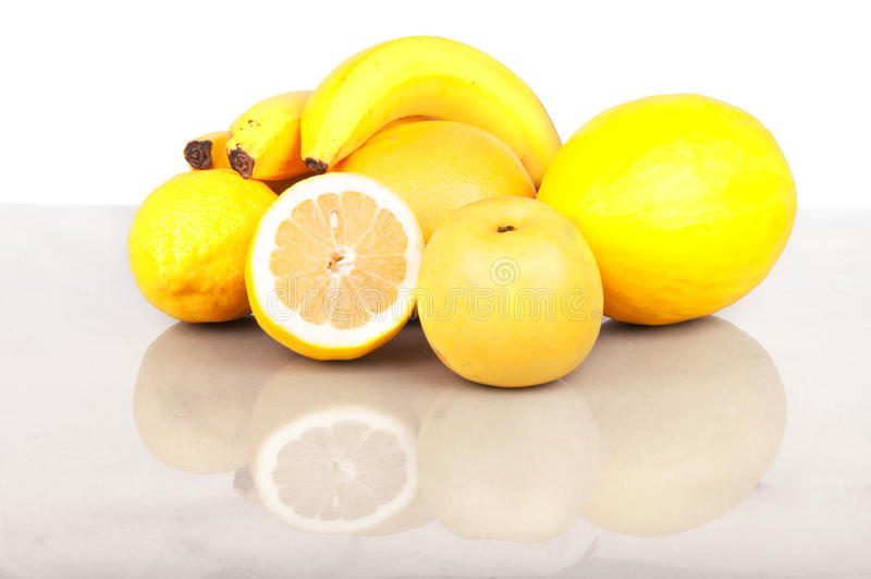 fruktyellow arkivbild