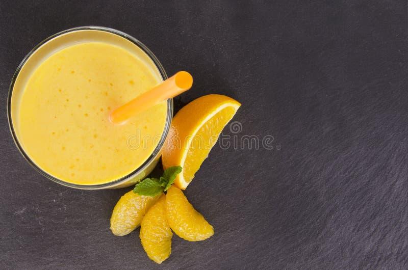 Frullato arancio fotografia stock libera da diritti