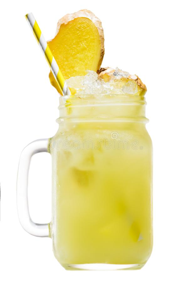 Frullato giallo tropicale fresco dell'ananas in un barattolo di muratore con yel immagini stock