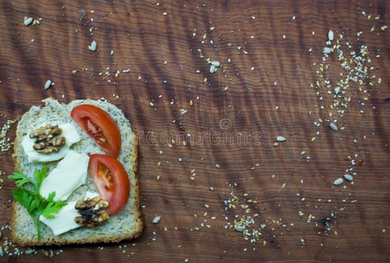 Frunchtid: sund och smaklig mat royaltyfria foton