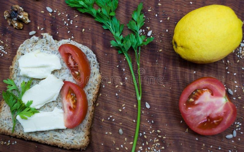 Frunchtid: sund och smaklig mat royaltyfri bild