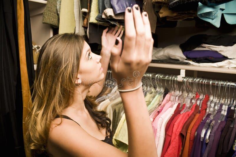 frustrera avstånd för garderob royaltyfri fotografi