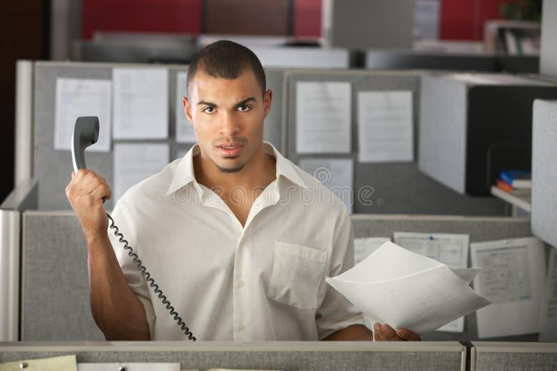Frustrerad kontorsarbetare royaltyfria bilder