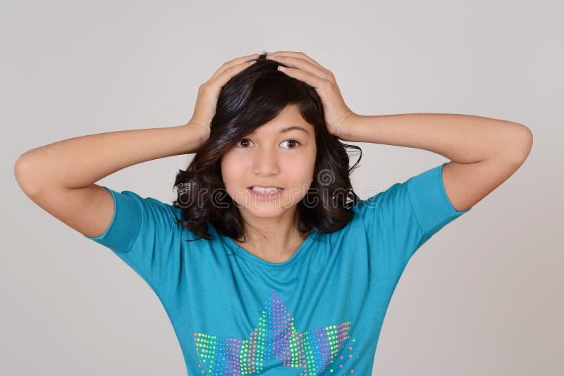 Frustrerat barnuppförande fotografering för bildbyråer