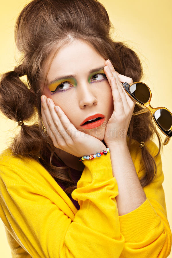 Frustrierte junge Frau lizenzfreies stockfoto
