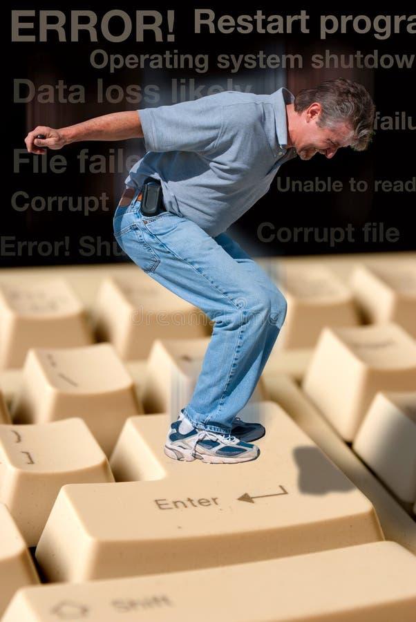 Frustriertes Computerbenutzerkonzept stockfotografie