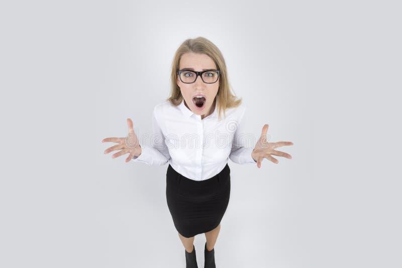 Frustriertes Frauenschreien stockfoto