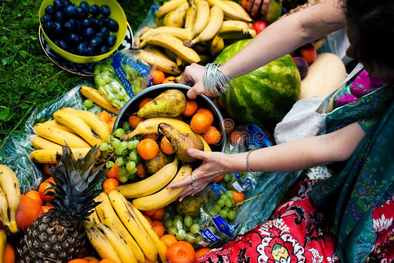 Download Fruta foto de stock. Imagem de bracelets, menina, mão - 26521514