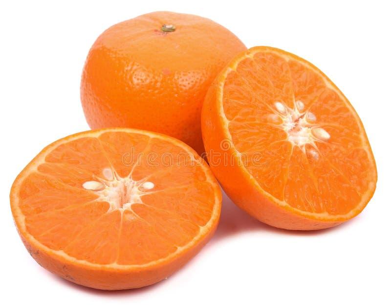 Fruta anaranjada aislada en el fondo blanco fotografía de archivo