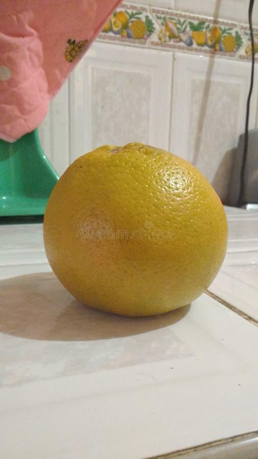 Fruta anaranjada/Naranja de jugo natural foto de archivo libre de regalías
