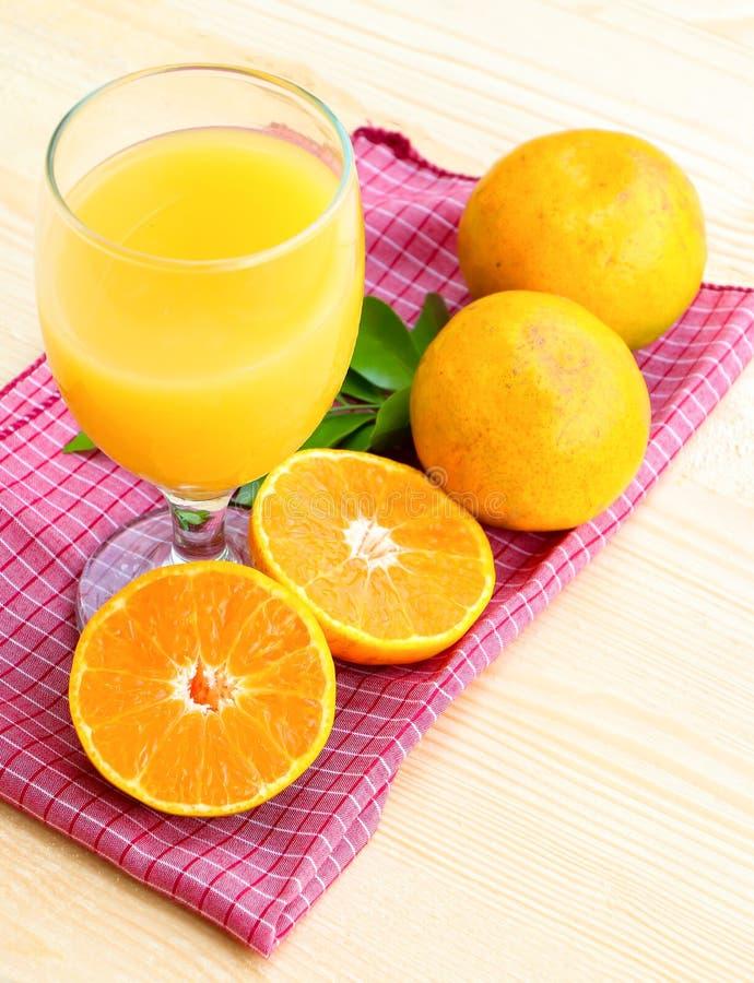 Fruta anaranjada orgánica imagen de archivo