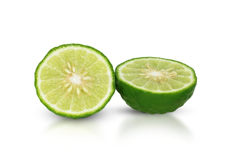Fruta de la bergamota, cal del cafre aislada en blanco foto de archivo
