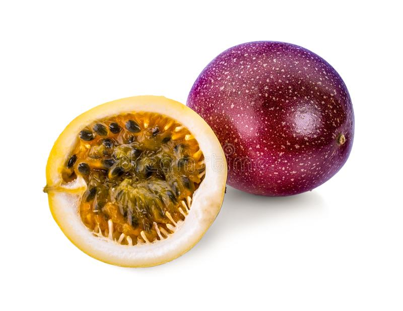 Fruta de pasión aislada en el fondo blanco fotos de archivo
