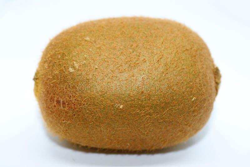 Fruta de quivi isolada no branco fotografia de stock royalty free