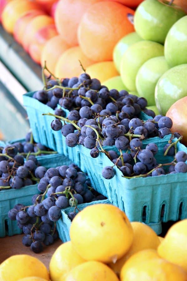 Fruta del mercado de los granjeros imagenes de archivo