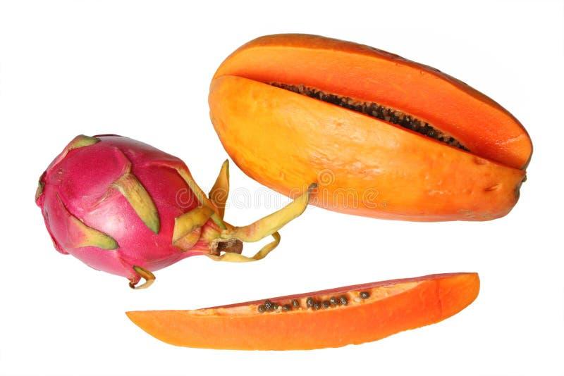 Fruta do dragão (Pitaya vermelho) e papaia foto de stock
