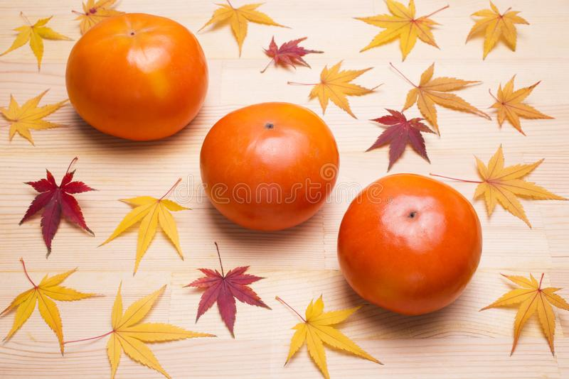Fruta dulce del caqui imagen de archivo