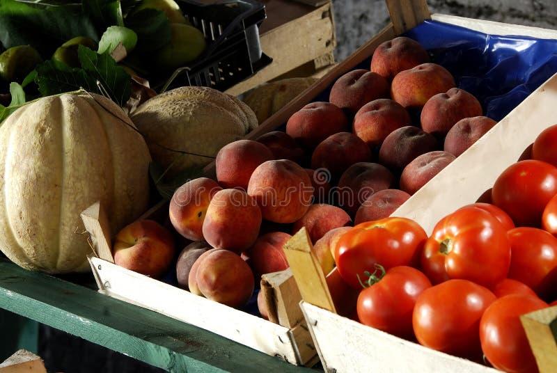 Fruta en el mercado   imágenes de archivo libres de regalías