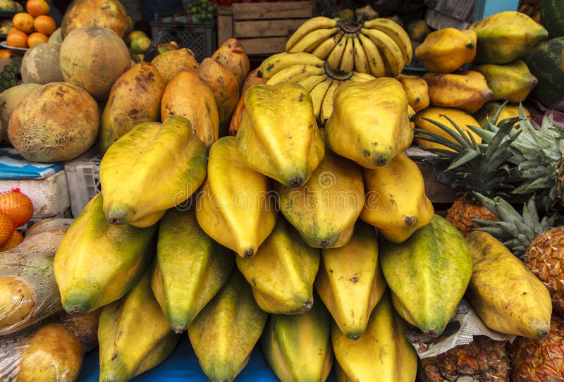 Fruta en Quito, Ecuador fotografía de archivo libre de regalías