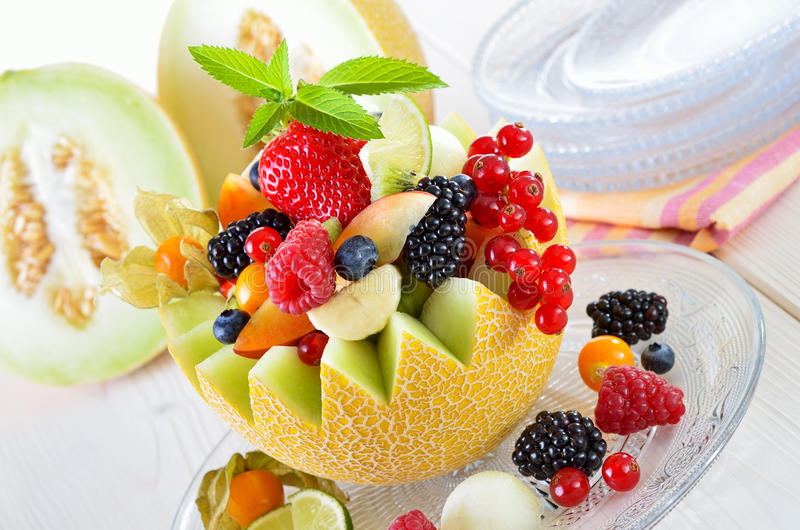 Fruta en un melón imagen de archivo libre de regalías