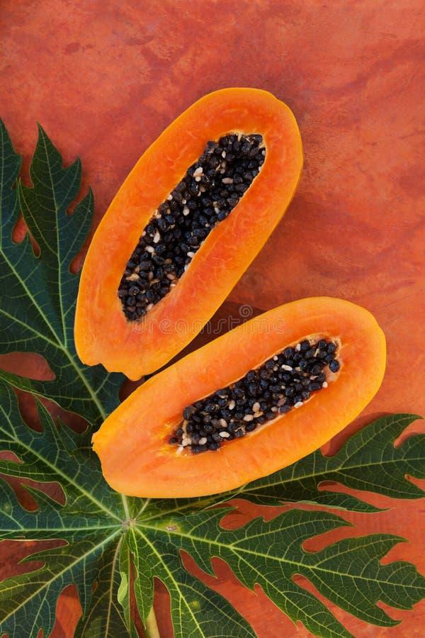 Fruta fresca de la papaya foto de archivo