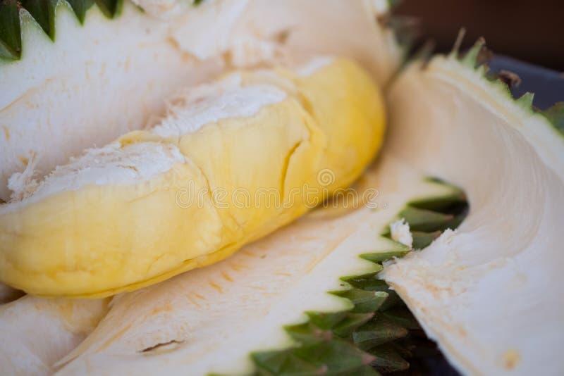 Fruta fresca del durian del jardín del durian en venta en el mercado local fotos de archivo libres de regalías