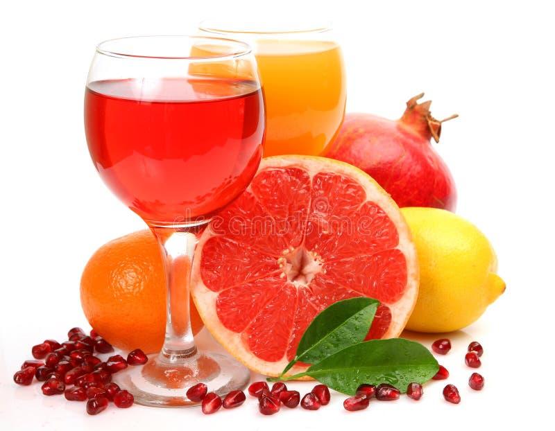 Fruta fresca e suco imagens de stock royalty free