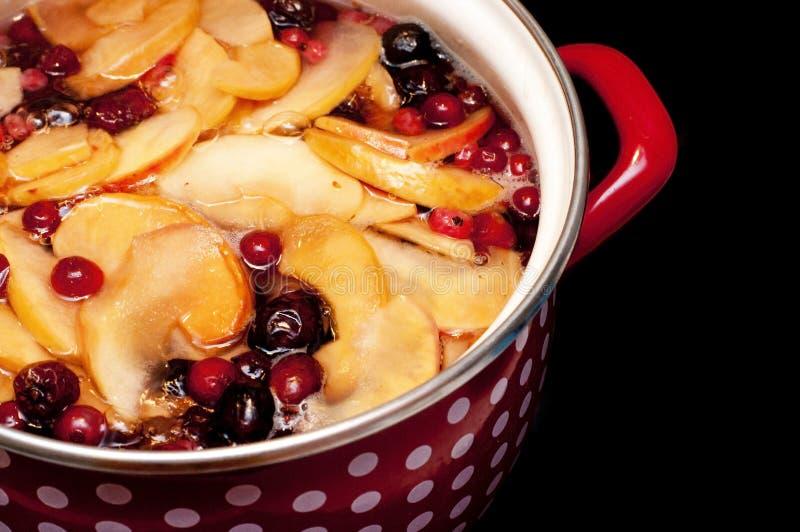 Fruta guisada dulce para el libro de cocina foto de archivo
