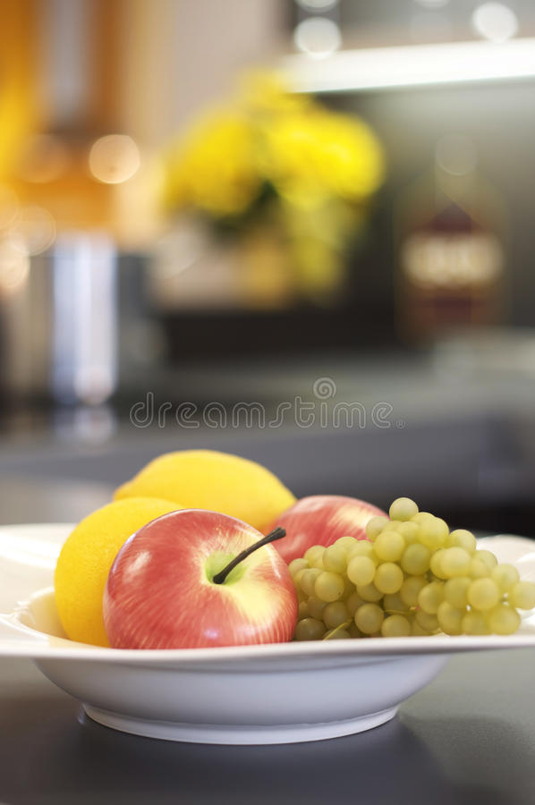 A fruta kichen dentro fotos de stock