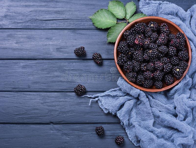 Fruta madura de la zarzamora foto de archivo
