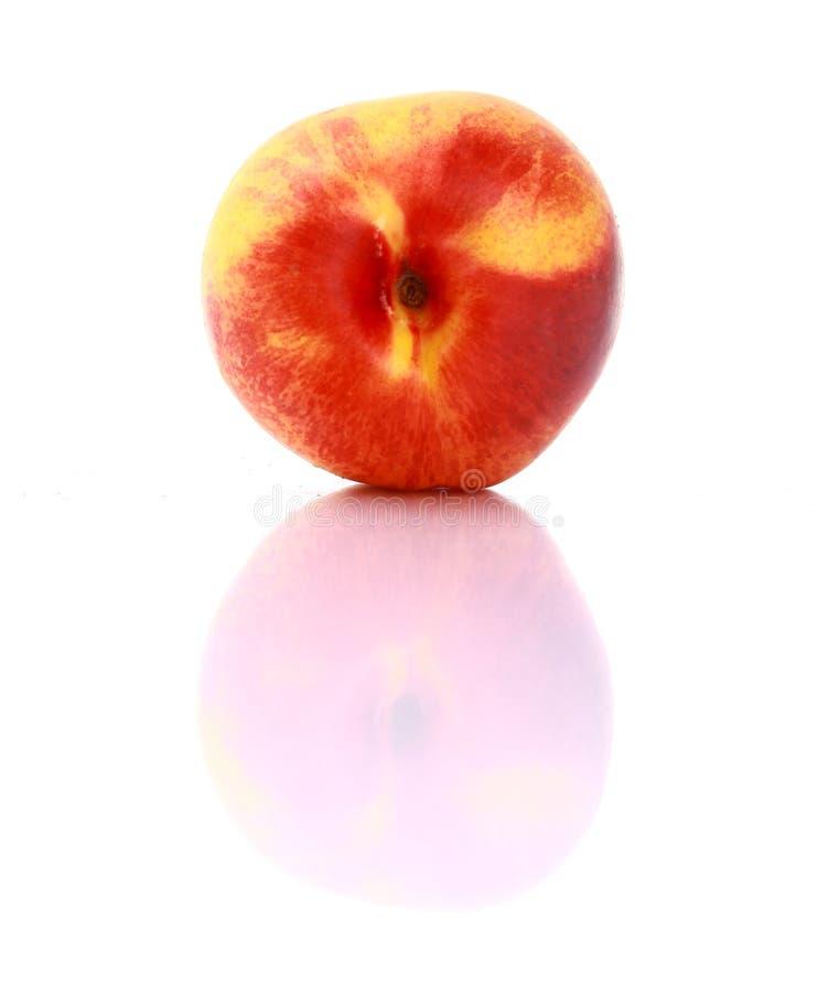 Fruta madura do pêssego com fotos de stock royalty free