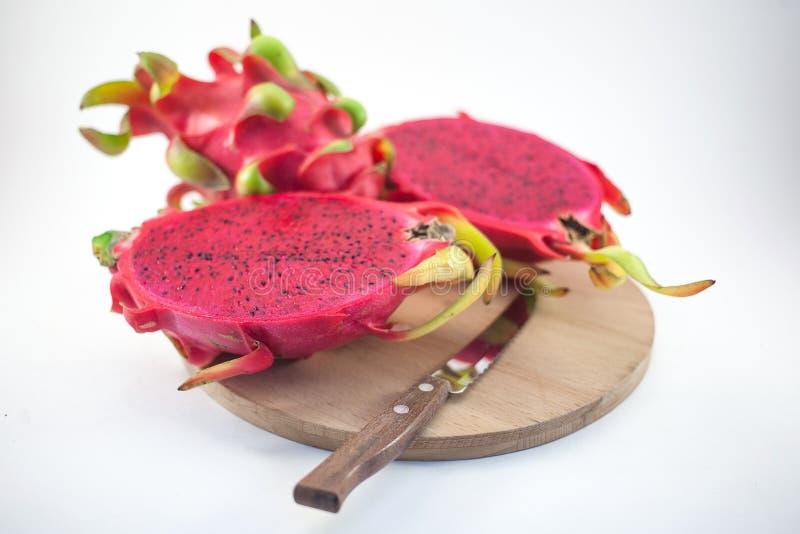 Fruta rosada madura exótica de Pitaya o del dragón Pitahaya rojo f tropical fotos de archivo