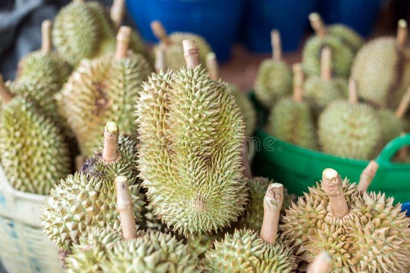 fruta tailandesa del durian, Durian en la mercado de la fruta local Tailandia imagenes de archivo