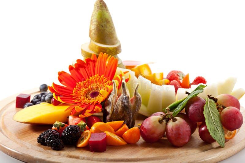 Frutas con las bayas imagenes de archivo
