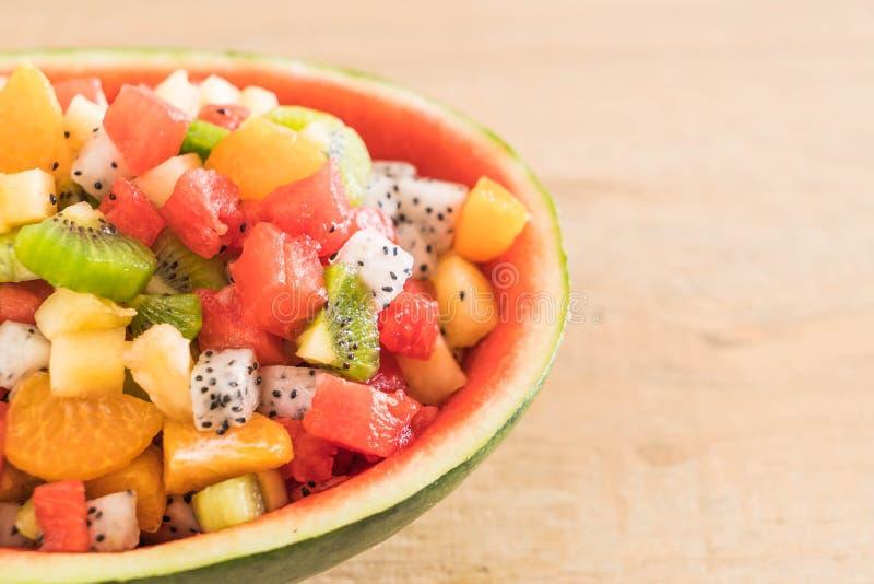 Frutas cortadas mistura imagens de stock royalty free